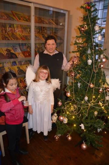 13 december 2014 Kersttonneel met kindercatechese